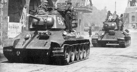tanks_in_street.jpg