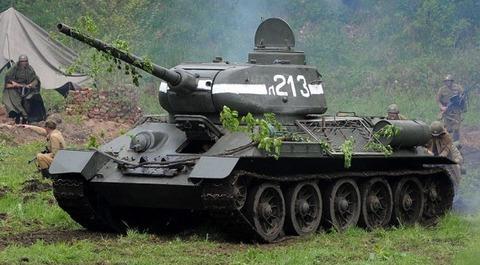 800px-Tank T-34