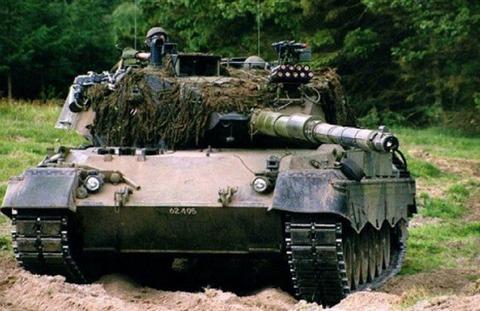 http://images.forum-auto.com/mesimages/52606/Leopard 1