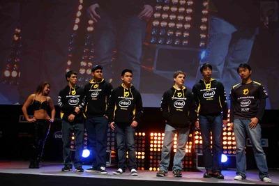 Equipe Dignitas (roster précédent, pas de photo actuelle)
