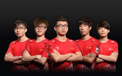 TongFu avant TI3 (quatre joueurs actuellement chez NewBee)