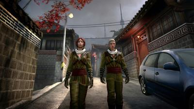 Deux membre du Dragon marchant dans Séoul