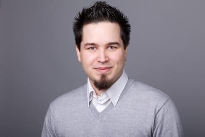 Pierre Poinsenet, Pr Manager Frogster