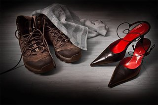 Cliquez sur l'image pour la voir en taille réelle  Nom : Contraste-chaussures.jpg Taille : 1024x683 Poids : 108,6 Ko ID : 86910