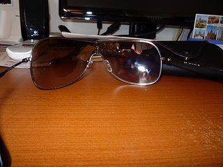 Cliquez sur l'image pour la voir en taille réelle  Nom : lunettes2.jpg Taille : 1600x1200 Poids : 621,1 Ko ID : 103530