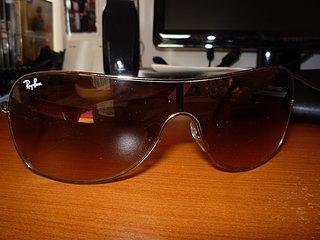 Cliquez sur l'image pour la voir en taille réelle  Nom : lunettes3.jpg Taille : 1600x1200 Poids : 614,3 Ko ID : 103531