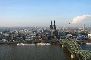 Cliquez sur l'image pour la voir en taille réelle  Nom : Cologne_panorama.jpg Taille : 2417x1611 Poids : 1,18 Mo ID : 228352