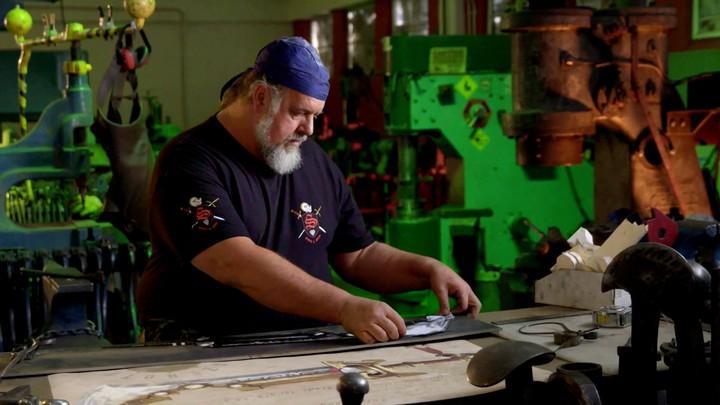 De la fabrication de l'épée Porte-Cendres (VOSTFR)