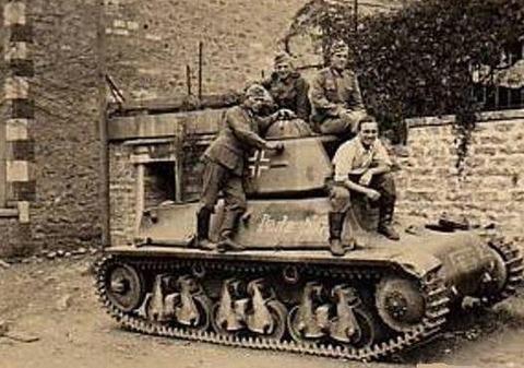 H35 09 YU 1942