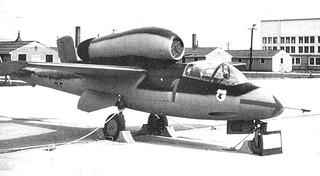 Heinkel He-162 capturé, soumis à des essais