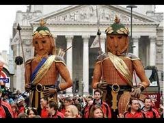 Gog et Magog dans les rues de Londres
