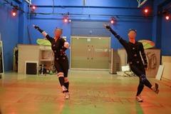 4-0_dance_card03.jpg