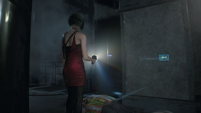 resident-evil-2-screenshots-ada-wong-scanner.jpg.optimal.jpg
