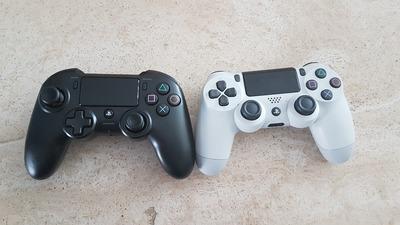 L'Asymmetric à gauche et une DS4 à droite
