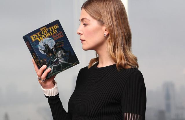 Rosamund Pike