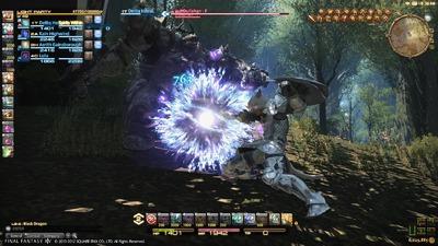 Le jeu propose une interface dont les éléments peuvent être déplacés et placés où le joueur souhaitera.